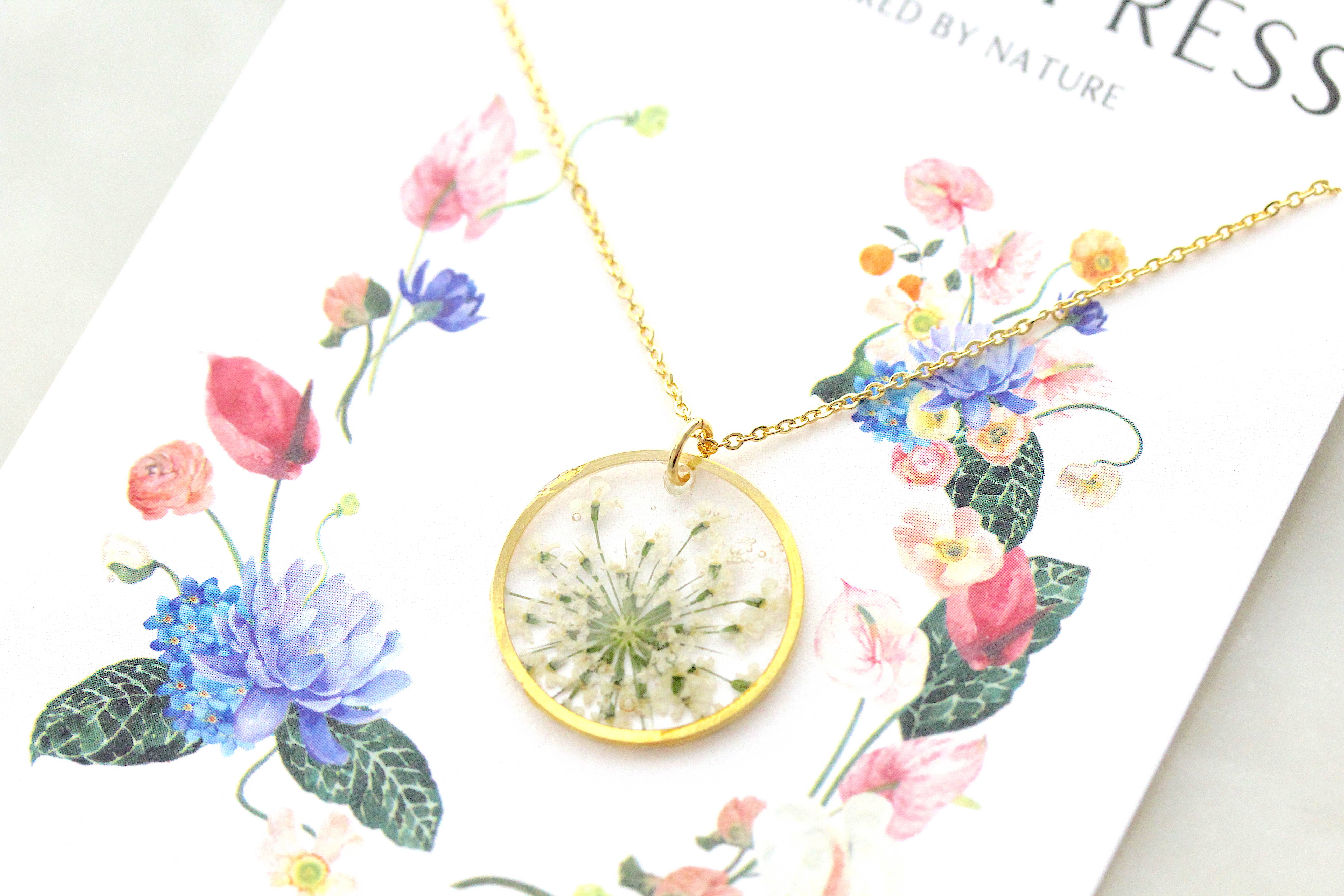 Gift Flower Necklace Necklace Clover Queen Anne/'s Lace Gold Plated Flower Jewelry Pendant Forget Me Not Baby/'s Breath