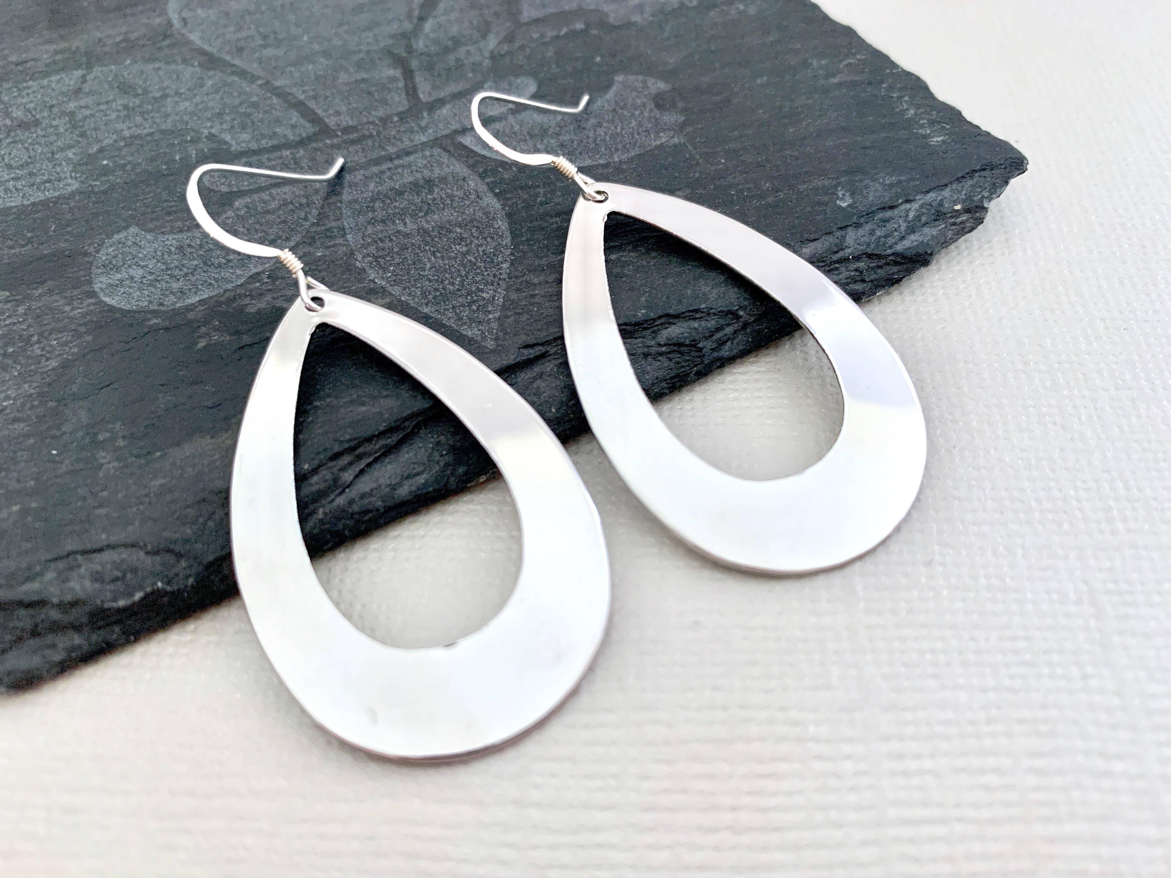 SS TEARDROP MIRROR JET CRYSTAL EAR Hoop Earrings