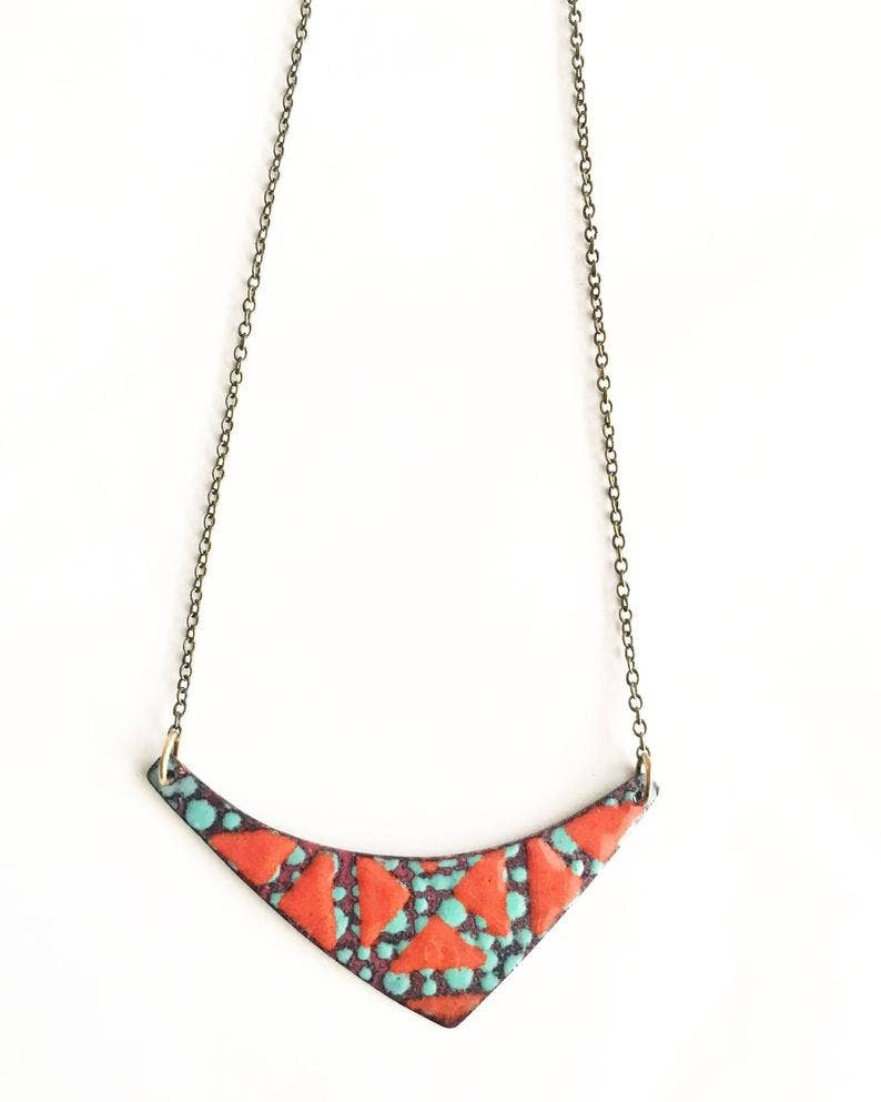 Geometric chain of enamel and copper grey
